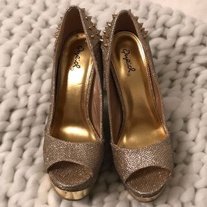 Gold/champagne glitter heels